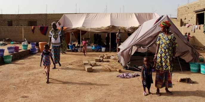 Près de 140 Peuls ont fui les combats pour se réfugierà Dialakorobougou, en périphérie de Bamako.