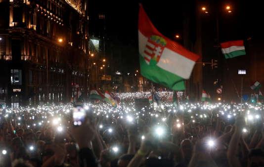 Manifestation contre le président hongrois Viktor Orban, à Budapest, le 21 avril.