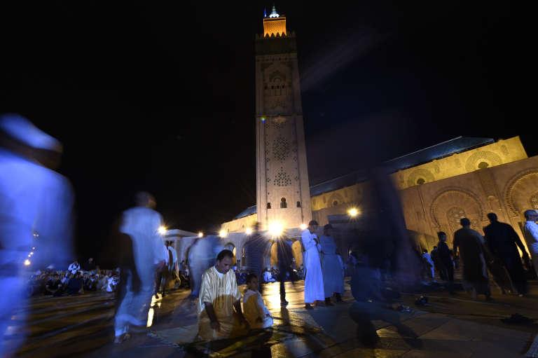 Devant la mosquée Hassan-II de Casablanca, pendant le mois de ramadan 2014.