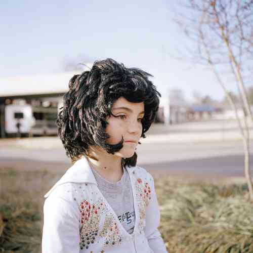 Jeune fille, Elvis Presley Boulevard, Memphis, Tennessee, 2014.