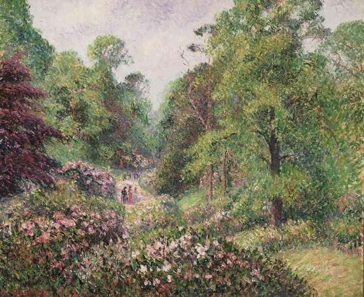 «Le domaine botanique de Kew –situé à 15kilomètres du centre de Londres– attirait plusieurs millions de visiteurs chaque année. La présence discrète des promeneurs au centre de l'allée des rhododendrons rappelle le caractère domestique de cette nature foisonnante. Le marchand d'art Durand-Ruel fit l'acquisition des tableaux de Kew en décembre 1893.»