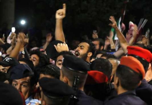 Des manifestations ont lieu en Jordanie depuis que le pays a lancé des projets de réforme.