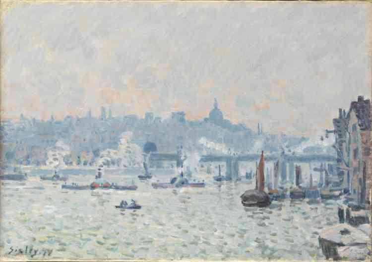 «Cette vue panoramique est la première des quatorze toiles peintes en Angleterre par Sisley, en 1874 –et la seule représentant le centre de Londres. Comme l'avait fait avant lui Daubigny, Sisley a choisi une vue panoramique et dégagée de la Tamise. Précédant de quelques années Pissarro et Monet, il a peint le pont de Charing Cross sur lequel circulent les trains à vapeur.»