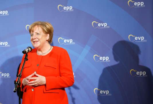 La chancelière allemande Angela Merkel, au sommet du Parti populaire européen, à Munich, le 6 juin.