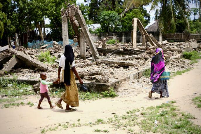 Les décombres d'une mosquée détruitepar les forces gouvernementales mozambicaines àMocimboa da Praia après une attaque contre la ville, en octobre 2017, attribuée à des insurgés islamistes présumés.