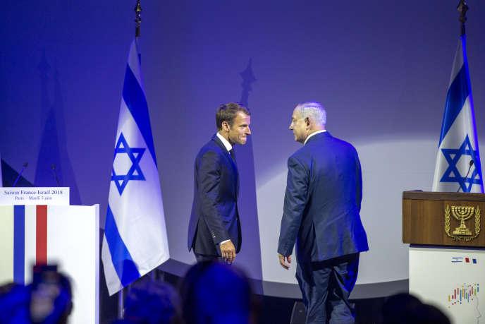 Emmanuel Macron, président de la République et Benyamin Nétanyahou, premier ministre de l'Etat d'Israël, au Grand Palais à Paris, le 5 juin.