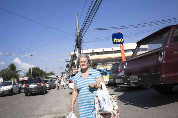 Dans les rues de Seropedica, quartier de la Zone Ouest de Rio, gangréné par les milices.