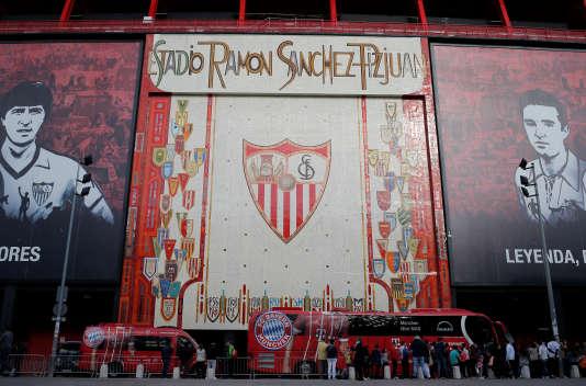 C'est au stade Ramón-Sánchez-Pizjuán que les Bleus de Michel Platini se sont inclinés face à l'Allemagne en demi-finale du Mondial 1982.