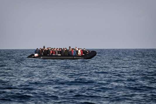 Un bateau au large de la Libye, le 12 mai.