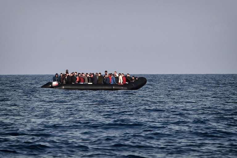 Les migrants arrivent pour la plupart en Libye pour tenter la traversée périlleuse de la Méditerranée vers l'Italie.