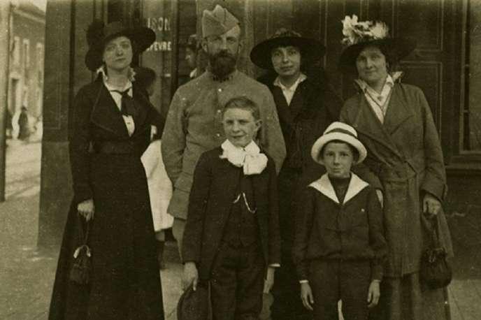 L'une des photographies de famille présentées dans le cadre de l'exposition«Familles à l'épreuve de la guerre» auMusée de la Grande Guerre du pays de Meaux.