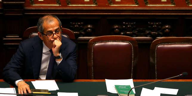 en italie un ministre des finances sur la ligne de cr te. Black Bedroom Furniture Sets. Home Design Ideas