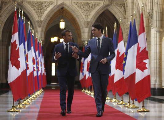 Le Premier ministre canadien, Justin Trudeau, et le président français, Emmanuel Macron, à Ottawa, au Canada, le 7 juin 2018.