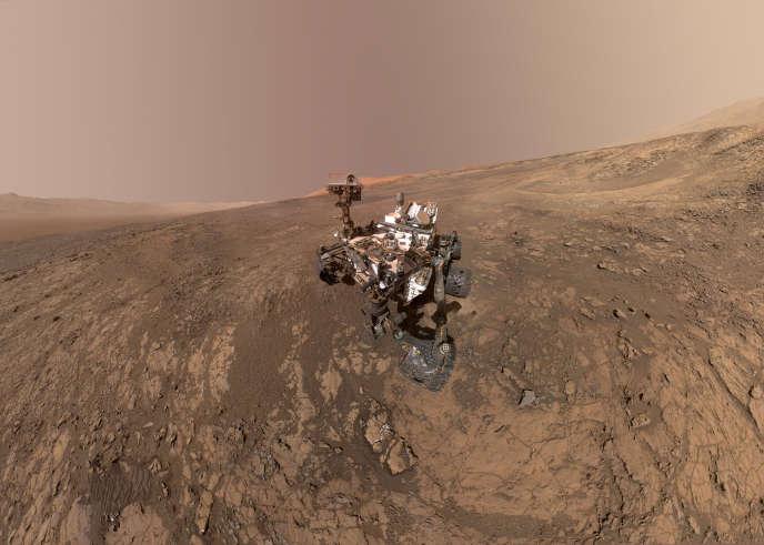 Le rover Curiosity sur le plateau de Vera Rubin Ridge, sur la planète Mars, le 23 janvier.