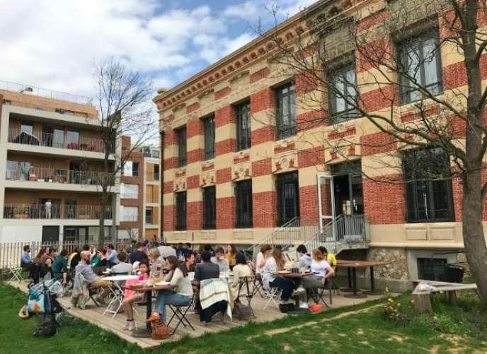 Au rez-de-chaussée du château de Nanterre (Hauts-de-Seine), Robin Placet a ouvert Foodentropie, un espace de restauration consacré au «bien-manger pour tous».