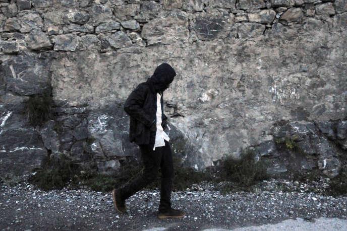 Avec Ousman, jeune homme originaire du Soudan. Lors de sa traversée entre les villes de Clavière (Italie) et Briançon (France).