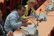 Le député Richard Ramos s'énerve face au PDG de Lactalis interrogé lors d'une commission d'enquête sur l'affaire du lait contaminé.