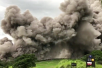 Au Guatemala, le Volcán de Fuego est entré en éruption le 3 juin, faisant au moins 100 morts et 200 disparus.