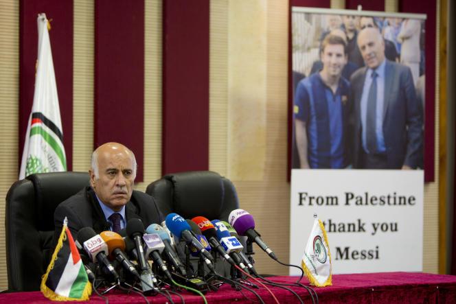 Le président de la Fédération palestinienne de football,Jibril Rajoub, lors de sa conférence de presse à Ramallah, en Cisjordanie, le 6 juin.