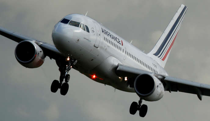 «Les premières sociétés aéroportuaires régionales ont vu le jour en 2007 et le processus de vente des parts de l'Etat a été lancé en 2014, avec Toulouse, puis poursuivi en 2016, avec Lyon et Nice.»