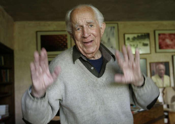 David Douglas Duncan chez lui, dans le sud de la France, en 2006.