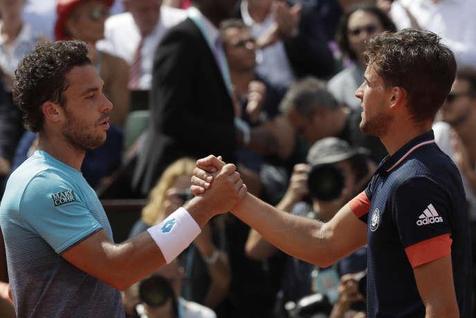 Dominic Thiem (à droite) domine Marco Cecchinato en demi-finale de Roland-Garros, le 8 juin.