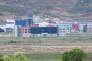 La zone industrielle de Kaesong en Corée du Nord, vue depuis la zone démilitarisée séparant les deux Corées, le 24 avril 2018.