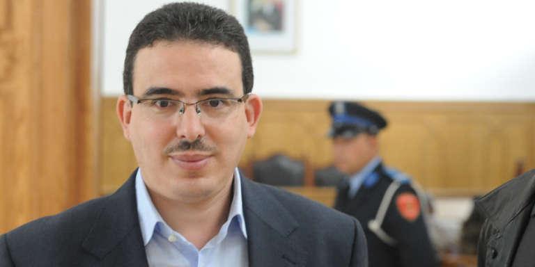 Taoufik Bouachrine, directeur du quotidien marocain «Akhbar Al-Youm» au tribunal de Casablanca le 23 octobre 2009.