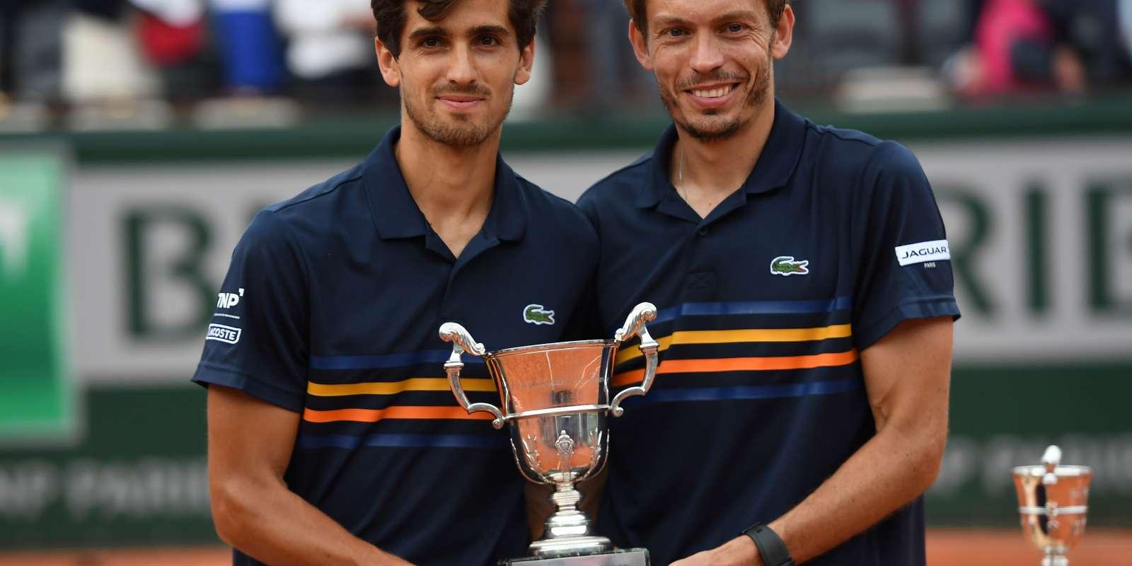 Pierre-Hugues Herbert et Nicolas Mahut ont remporté la finale en deux sets (6-2 7-6), samedi 6 juin.
