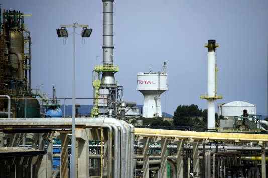 La FNSEA annonce que la bioraffinerie Total de La Mède (Bouches-du-Rhône) sera l'un des treize sites bloqués le 10 juin.