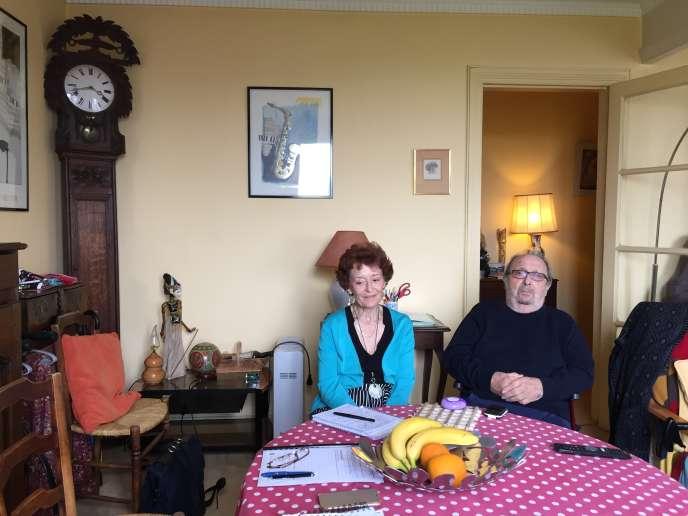 Françoise et Jean Pracisnore, le 6 juin, dans leur appartement de la porte d'Orléans.