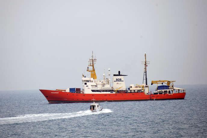 Le navire humanitaire «Aquarius», près du port de Pozzallo, dans le sud de l'Italie, le 11 juin 2018.