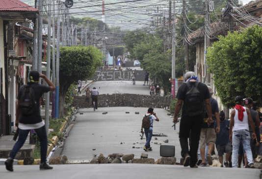 Des barricades à Masaya, le 9 juin.