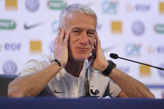 « Pas la peine d'essayer, je n'entends pas vos questions sur Zinédine Zidane.»