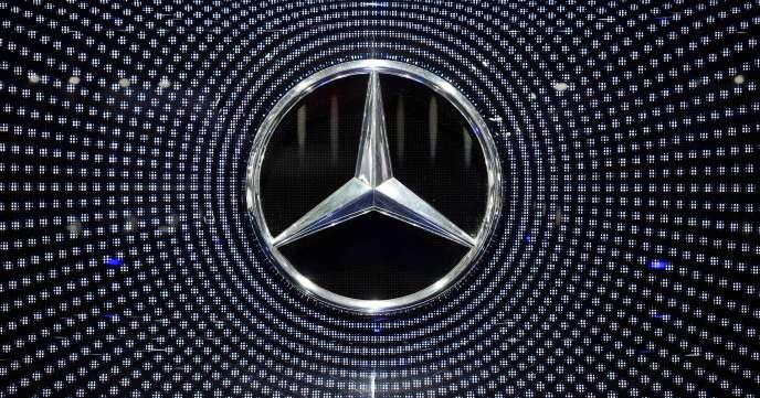 Daimler, épargnée jusque-là par le scandale du «dieselgate», faisait déjà l'objet d'une enquête du parquet de Stuttgart, ville où siège le groupe.