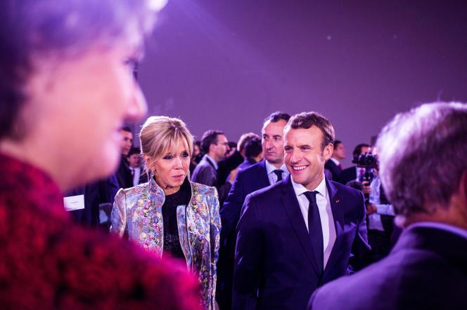 Brigitte Macron, en compagnie de son époux, en décembre 2017.