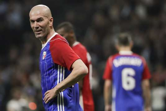 Zidane et ses copéquipiers se sont imposés face à une sélection étrangère (3-2), à Nanterre, mardi 12 juin.