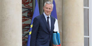 French Economy Minister Bruno Le Maire leaves the Elysee presidential palace after a weekly cabinet meeting, on May 30, 2018 in Paris. / AFP / ludovic MARIN