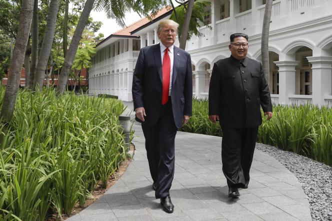 Le président états-unien et le dirigeant nord-coréen après leur déjeuner, le 12 juin 2018.