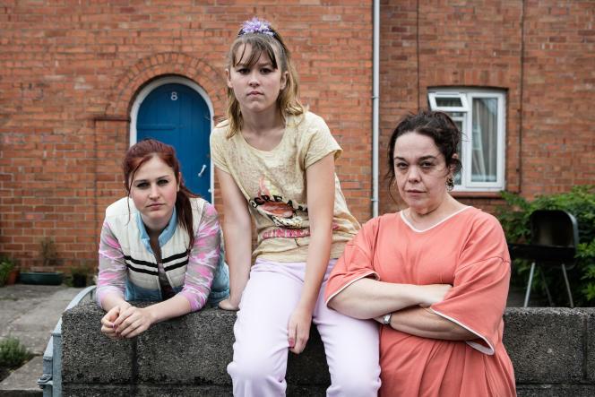 De gauche à droite : Ria Zmitrowicz, Liv Hill et Lisa Riley.