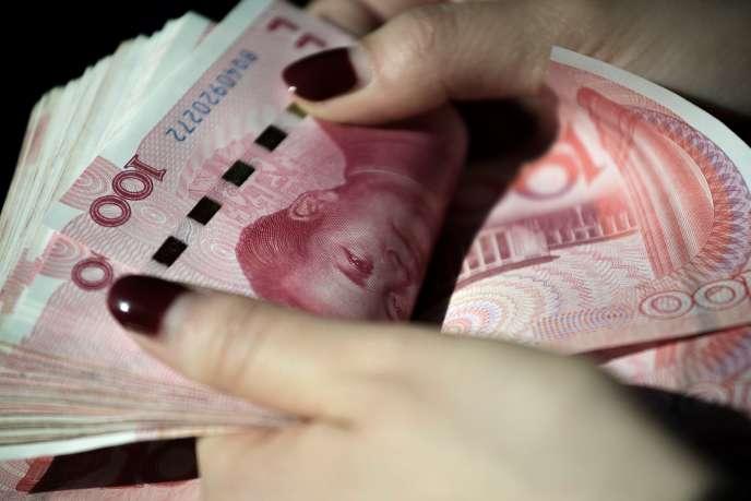 Une liasse de billets de 100 yuans.