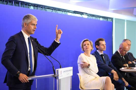 Le président du parti Les Républicains, Laurent Wauquiez, la première adjointe au maire de Bordeaux, VirginieCalmels, ainsi que Guillaume Larrivé, Eric Ciotti et François-Noël Buffet, le 18 avril 2018 à Paris.