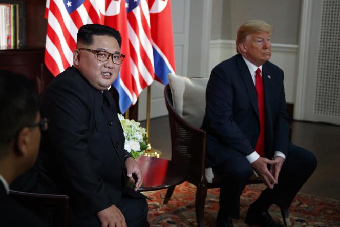 Le leader nord-coréen Kim Jong-un et le président Donald Trump, à Singapour, le 12 juin.