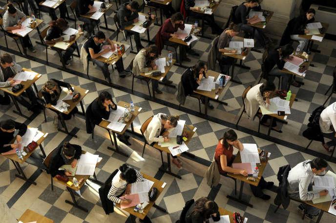 Epreuve du baccalauréat au lycée Clémenceau, à Nantes.
