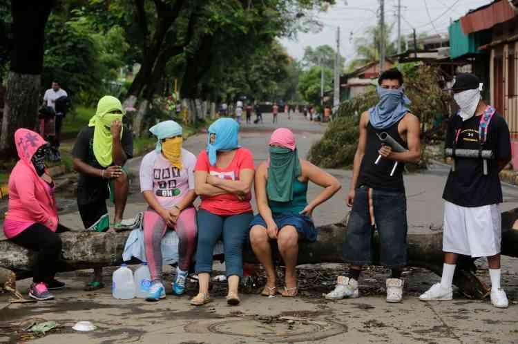 Barricade improvisée à Masaya, près de Managua, le 5 juin.