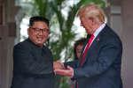 Le dirigeant nord-coréen Kim Jong-un et le président américain Donald Trump, mardi 12 juin à Singapour.