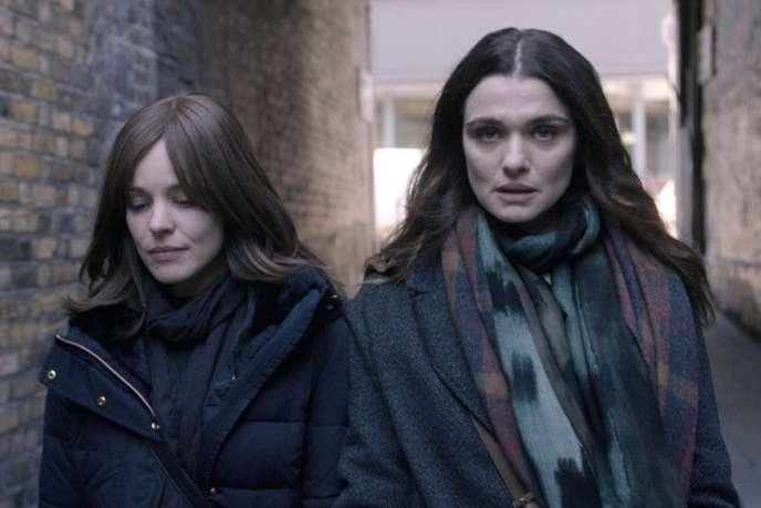 Rachel McAdams et Rachel Weisz dans«Désobéissance» («Disobedience»), deSebastian Lelio.