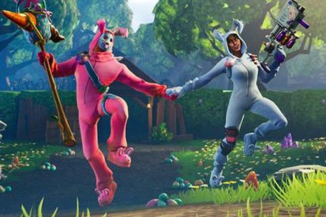 Deux personnages du jeu vidéo« Fortnite», bien décidés à prouver qu'il est possible de faire simultanément l'amour… et la guerre.