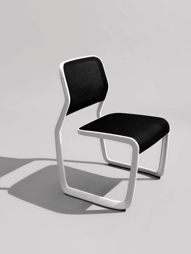 La chaise aluminium pour Knoll.