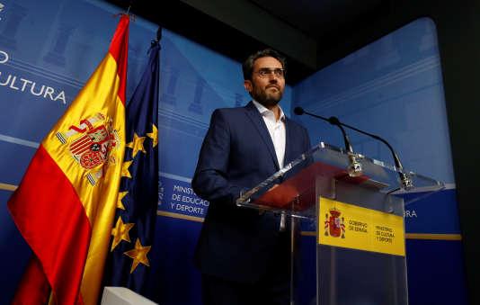 Le ministre de la culture espagnol, Maxim Huerta, lors de l'annonce de sa démission, le 13 juin à Madrid.